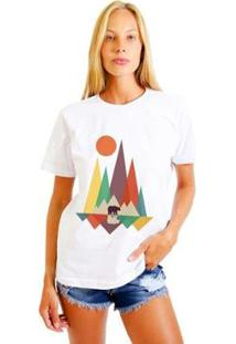 Camiseta Joss Estampada Bear In The Woods Feminina - Feminino-Branco