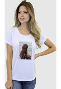 Camiseta Baby Look Feminina Basica Suffix Branca Estampa Tecido Sobreposto Cabelo Moreana Laço Strass Gola Redonda - Kanui