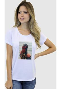 Camiseta Baby Look Feminina Basica Suffix Branca Estampa Tecido Sobreposto Cabelo Moreana Laço Strass Gola Redonda - Tricae