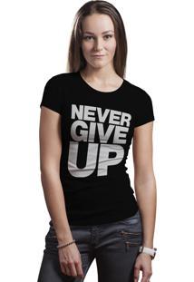 Camiseta Hunter Brisa Louca Never Give Up Preta