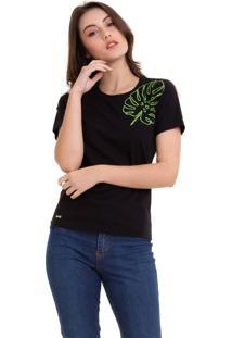 Camiseta Com Bordado Flores Preto