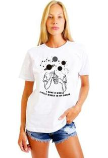 Camiseta Joss Feminina Estampada Girl World - Feminino-Branco
