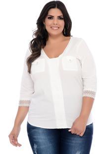 Blusa Plus Size Forma Rara Off White Com Guipir E Bolsos
