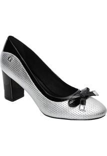 252c1c036 Sapato Tradicional Em Couro Metalizado Com Laço - Prateacarmen Steffens