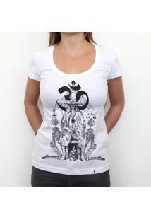 Holy Mountain - Camiseta Clássica Premium Feminina