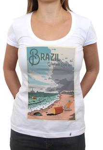 Brazil: Visit And Love Us - Camiseta Clássica Feminina