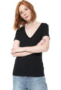 Camiseta Cavalera Decote V Preta