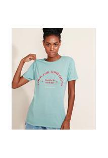 "T-Shirt Feminina Mindset ""Look For Something"" Manga Curta Decote Redondo Azul Claro"