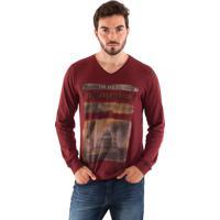60bb7da6b5 Camiseta Konciny Estampada Decote V Vermelho