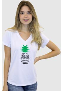 Camiseta Suffix Branca Gola V Estampa Seja Um Abacaxi Preto E Verde Gola V