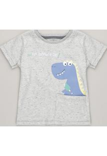 7d1fdf4506e17 Camiseta Infantil Dinossauro Com Bolso E Bordado Manga Curta Gola Careca  Cinza Mescla Claro