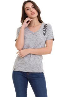Camiseta Com Bordado Flores Cinza