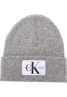 b520357a43769 Calvin Klein Jeans Gorro Com Patch De Logo - Cinza