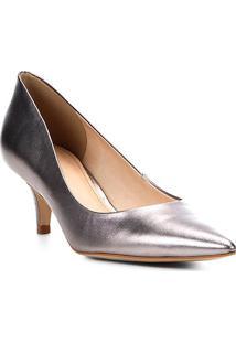 Scarpin Couro Shoestock Salto Baixo Metalizado - Feminino-Chumbo