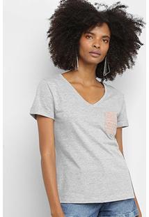 Camiseta Calvin Klein Bolso Gola V Feminina - Feminino-Mescla