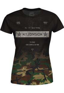 Camiseta Estampada Baby Look Over Fame Camuflada Preto