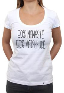 50% Namaste, 50% Vaisefude - Camiseta Clássica Feminina