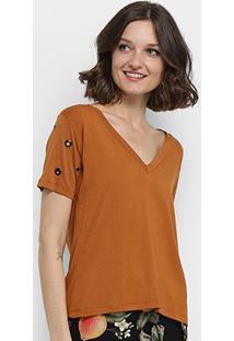 Camiseta Aura Ilhós Gola V Feminina - Feminino-Caramelo