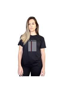 Camiseta Boutique Judith I'M Different Preto