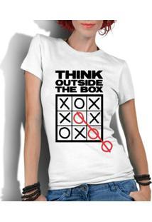 Camiseta Criativa Urbana Frases Pense Fora Da Caixa - Feminino-Branco