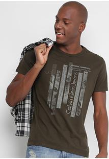 cc25d777e3fce Camiseta Calvin Klein Slim Estampada Masculina - Masculino-Verde Militar