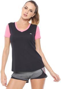 Camiseta Alto Giro Recortes Preta/Rosa
