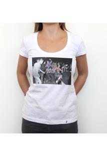 Mosh-Pit - Camiseta Clássica Feminina