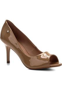 Peep Toe Shoestock Salto Médio Verniz Naked - Feminino-Castanha