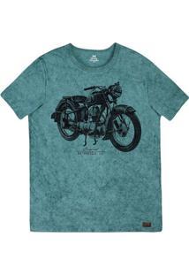 82a141850b Camiseta Masculina Slim Em Malha De Algodão Com Técnica De Lavanderia  Estonada