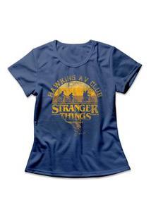 Camiseta Feminina Stranger Things Hawkins Av Club Azul