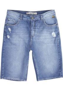 Bermuda Jeans Masculina Em Modelagem Tradicional E Detalhe Destroyed
