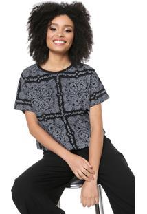 Camiseta Cropped Lez A Lez Estampada Preta