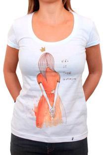 Não Se Torne Inofensiva - Camiseta Clássica Feminina