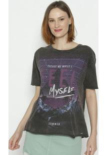"""Camiseta """"Excuse Me While I Feel Myself""""- Preta & Roxa"""