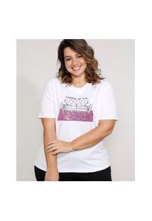 "T-Shirt Feminina Plus Size Mindset Com Bordado ""Carnaval No Sofá"" E Paetês Manga Curta Decote Redondo Branca"