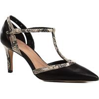 78ada60e91 Scarpin Couro Shoestock Snake Mini Tachas - Feminino-Preto+Bege