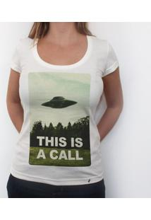 This Is A Call - Camiseta Clássica Feminina