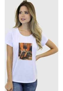 Camiseta Baby Look Feminina Basica Suffix Branca Estampa Tecido Sobreposto Sapato Alto Strass Gola Redonda - Tricae