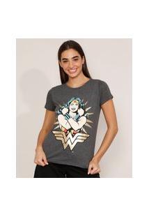 Camiseta Mulher-Maravilha Metalizada Manga Curta Decote Redondo Cinza Mescla Escuro