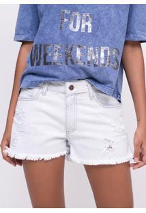 Short Delavê Com Puídos Em Jeans