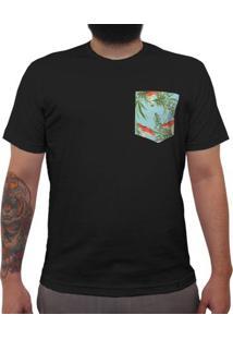 Plantas, Cogumelos, Fundo Azul Claro - Camiseta Clássica Com Bolso Masculina