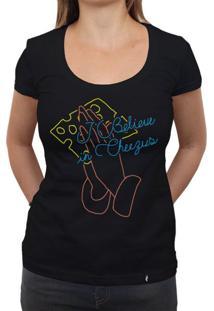 I Believe In Cheezus - Camiseta Clássica Feminina