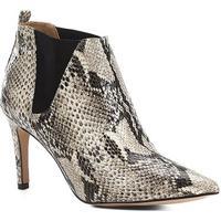 92b6ab6034 Bota Cano Curto Shoestock Salto Fino Snake Feminina - Feminino-Bege