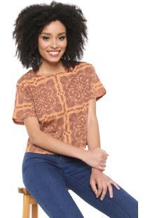 Camiseta Cropped Lez A Lez Estampada Caramelo