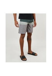 Bermuda Surf Masculina Com Listras E Bolso Verde Escuro
