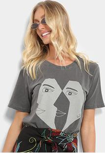 Camiseta Cantão Estampa Faces Feminina - Feminino-Chumbo