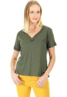 Camiseta Decote V Aha Malha Lisa Com Detalhe Nos Acabamentos E Fenda Nas Laterias Militar