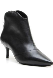Ankle Boot Em Couro Com Recorte - Preta- Salto: 5,5Cvicenza