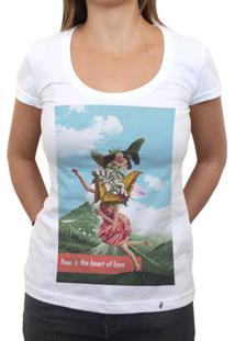 Fear Is The Heart - Camiseta Clássica Feminina