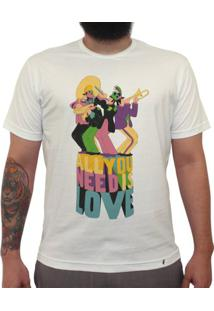 All You Need - Camiseta Clássica Masculina